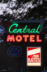 Clean & Quiet Rates (pam's pics-) Tags: sign vintage hotel colorado neon lodging motel motorinn fortmorgan motorlodge motorhotel northerncolorado pammorris nightneon nikond40 centralmotel litneon denverpam