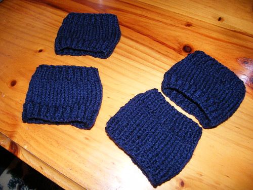 Blue wristwarmers