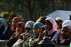 The Crowd (st.hanshaugenkru) Tags: girls london tattoo concert traditional eid young hijab trafalgarsquare colourful henna enjoying ornamentation parvez supershot eidinthesquare