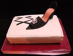 Caja de zapatos (Mariana Pugliese) Tags: cake caja zapatos cumpleaños torta cajadezapatos rickysarkany 241543903