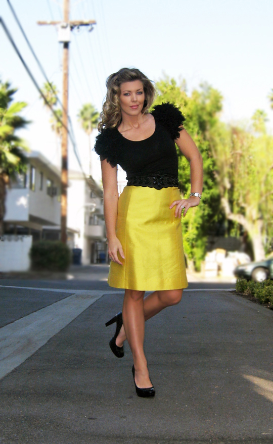 yellow-skirt-puff-sleeve-top-Pouf Shoulders