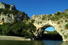 Le Pont d'Arc (fabdebaz) Tags: eau gorges paysage distillery 2009 07 aficionados ardche pontdarc k10d pentaxk10d francelandscapes justpentax vosplusbellesphotos
