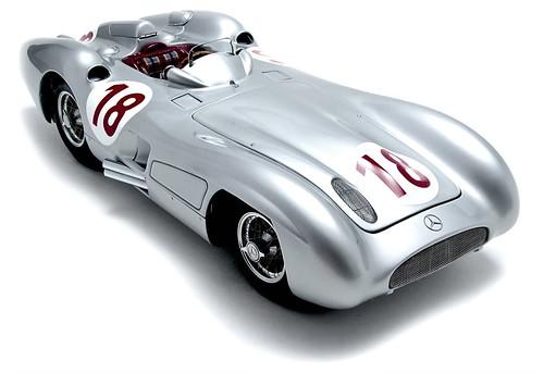 Mercedes-Benz 1955 W196R Streamline No. 18 - J. M. Fangio - Monza GP Winner