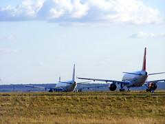 Atlas Blue A321 & Air France B747 @ CDG (slasher-fun) Tags: aircraft airbus boeing boeing747 747 spotting pariscdg airfrance b747 747400 roissy cdg adp a321 planespotting 744 boeing747400 b747400 lfpg b744 parisairport royalairmaroc roissycdg airbusa321 atlasblue 747428 b747428 fgitj a321211 airbusa321200 a321200 cnrny aéroportsdeparis boeing747428 airbusa321211 a32s