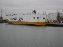 Vehicle Carrying Ship (crwilliams) Tags: boats hampshire southampton date:month=october date:day=15 date:year=2009 date:hour=17 date:wday=thursday