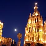 San Miguel de Allende: Parroquia y Luna