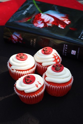 New Moon Cupcakes!