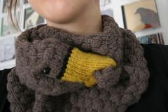 Today i'm wearing duck! (ponyhut) Tags: animals scarf duck knitting wear knitted ente tier gestrickt stricken schal tragen todayimwearingduck heutetragichente ninaführer