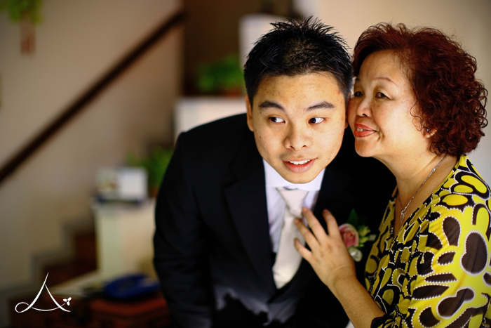 Ju Liang & his mother