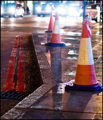 Day 338 of 365 - December 4th (@andymatthews) Tags: road wet day pavement roadworks camden picture every 365 kerb 2009 cones photoproject a doubleredlines 365project 3652009 365daysof2009
