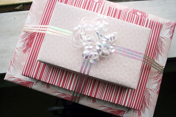 Double-sided Smock Gift Wrap
