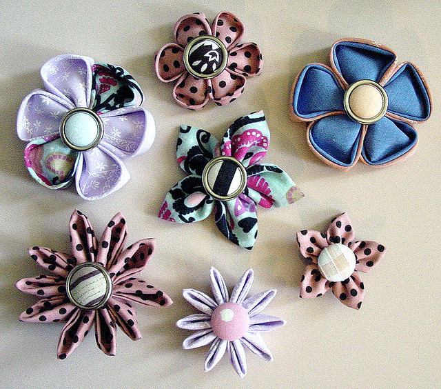 Flowers made with Clover's kanzashi templates.