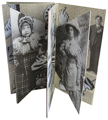 Interlocked Double Accordion Book