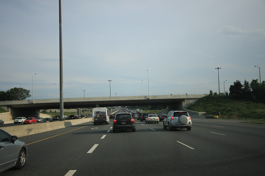 Highway 404 on Rush Hour