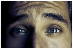 You talkin' to me? (InVa10) Tags: blue españa face azul canon eos spain eyes brother cara badajoz ojos hermano eyebrows cejas inva 450d