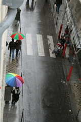 colours in paris (ÇaD) Tags: paris rain umbrella colours chad cagdas ruevieilledutemple ozturk deger cagdasdeger