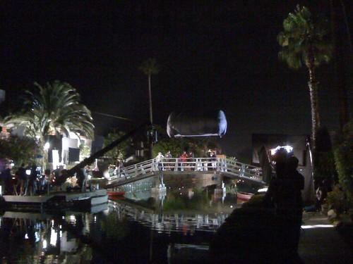 Jennifer Garner and Ashton Kutcher Kiss on the Venice Canals