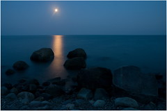 Good Night, Black Sea! (Dmitry Chastikov) Tags: longexposure travel blue sea sky moon backlight night landscape pentax luna tamron crimea contrejour    k20d 18250mm tamron18250 justpentax crimea2009 20090804imgp0592cr11e