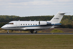 C-FNEU - Private - Canadair CL-600-2B16 Challenger 601-3A - Luton - 091001 - Steven Gray - IMG_9818