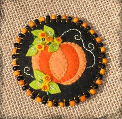 Broche calabaza (Noia Land) Tags: halloween felted pumpkin pin broche handmade brooch craft felt calabaza prendedor fieltro afieltrada