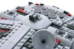 7778_MIDI_Millennium_Falcon_9