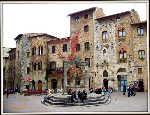 San Gimignano - Piazza della Cisterna por francesco_43.