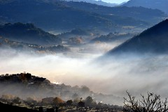 alba montopolese (luporosso) Tags: italy naturaleza nature fog sunrise landscape nikon italia alba natura sabina nebbia paesaggio lazio d60 naturalmente montopoli nikond60 nikkor70300vr montopolidisabina perfectsunsetssunrisesandskys luporosso flickraward