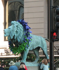 Purple-wreathed lion