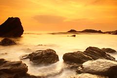 whitsands sunset cornwall (clickitysnap) Tags: longexposure sunset sea sky seascape beach water yellow clouds landscape landscapes twilight rocks cornwall sundown slowshutter longshutter coasts whitsands sonya100 sonyalpha whitsandssunset