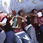 Cusco: Cargadores de las andas del Patrón San Cristóbal, durante la festividad del Corpus Christi en el Cusco