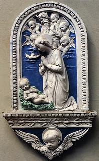 Andrea della Robbia, Adorazione del Bambino con l'Eterno tra  cherubini, 1480 ca. London, Victoria and Albert Museum