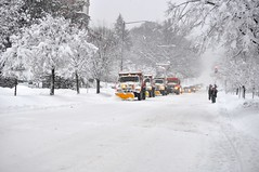 Washington, DC 2010 256 (JasonianPhotography) Tags: winter snow snowflakes washingtondc districtofcolumbia blizzard snowpocalypse washingtondcblizzard washingtondcsnow afsdxvrzoomnikkor55200mmf456gifed snowgasm snowmageddon snowplowtrucks snomg snowpocalypsedc washingtondcblizzard2010