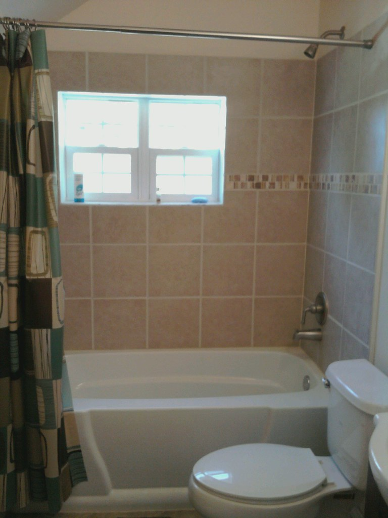 Tiles in bathtub surround
