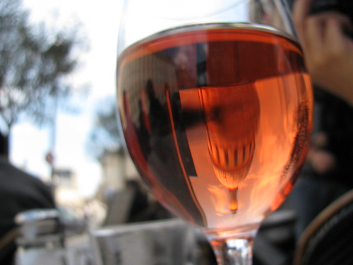 glass of rosé near the Panthéon