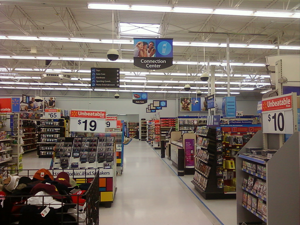 Wal-Mart - Albert Lea, Minnesota - Action Alley Towards Tire & Lube Express