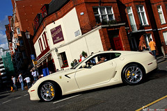 Cafe Rouge (Vikars') Tags: red white london cup coffee socks rouge cafe dubai tea uae cream ferrari harrods chrome arab londres vanilla abu dhabi 2009 qatar exotics gtb supercars viken vanille chromed vikars 599 ldn fiorano arslanian 2k9