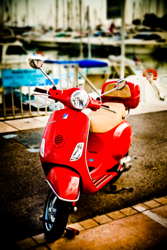 Vespa in Cannes