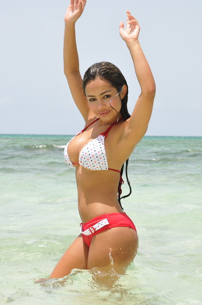 97f974790ca DSC_7858 (vaughnscriven) Tags: blue sea sky hot sexy green beach water sex  hair