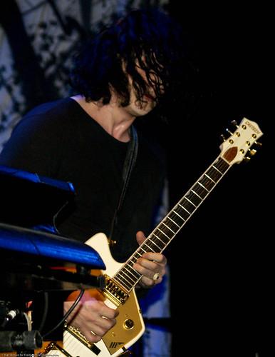 11.17.09 Dead Weather @ Music Hall of Williamsburg (68)