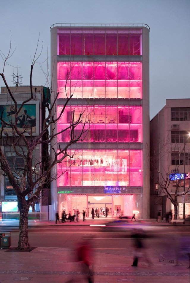 Barbie-Shanghai-Store-by-Slate-Architecture-21