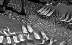 Shoes (Roby1kenobi) Tags: street bw walking nikon shoes walk milano d2x scarpe riflesso camminare moscova roby1kenobi robertomignanego httpwwwrobertomignanegocom
