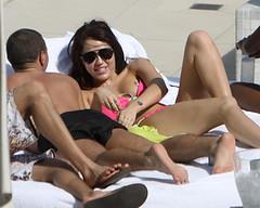 Hotel in Miami zwembad (MileyDotBe) Tags: vacation usa holiday sunglasses candid fl miamibeach sunbathing lyingdown sunlounger pinkbikini mileycyrus