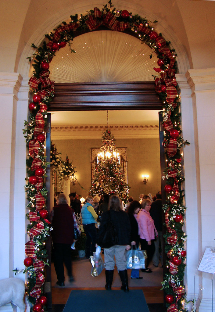 DSC03339 Filoli garland doorway