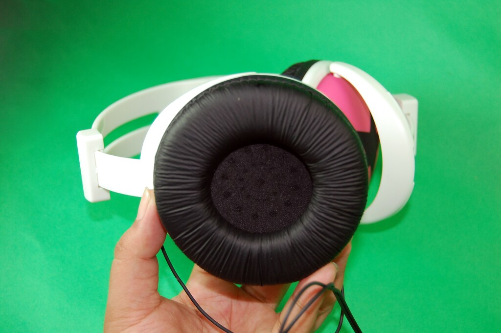 How to Spot Fake Mix-Style Headphones Fake