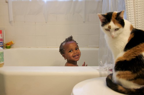 bathtime with zinashi and her helper