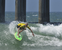 (ScottS101) Tags: california cali surf waves pacific surfer huntington competition surfing nike professional surfboard junior pro athletes athlete olas hb wetsuit ola competitor surfista beachwave huntingtonbeach allrightsreserved pierpressure jackssurfboards scottsansenbach2009