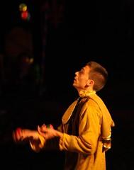 Jongleur ((Nathanael.Archer)) Tags: night medieval soiree nuit middleage artiste jongleur moyenage mdival