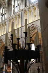 Southwark Cathedral (L'habitant) Tags: london church candles cathedral churches cathedrals southwark se1 southwarkcathedral southwards northaisle stsaviour triforium 090803 stmaryovery towardsthecrossing