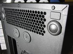 [Corsar 800d] サイドパネル開閉ボタン