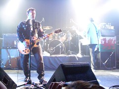 James Dean Bradfield, Sean Moore, and Nicky Wire (ExileFanzine) Tags: chicago concert october 1st live gig exile 2009 manicstreetpreachers themetro jamesdeanbradfield northamericantour seanmoore mspnickywire exilefanzine
